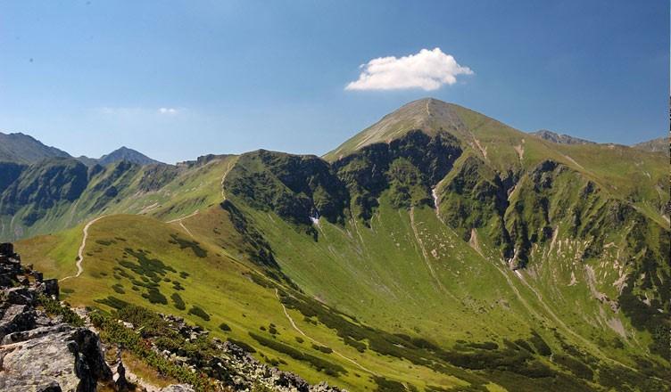 Widok z grani Tatr Zachodnich, fot. carlisle617 / flickr.com; licencja Creative Commons